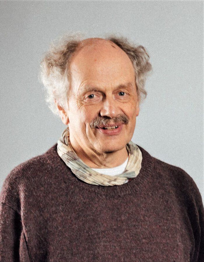 Dr. Jens Schröter